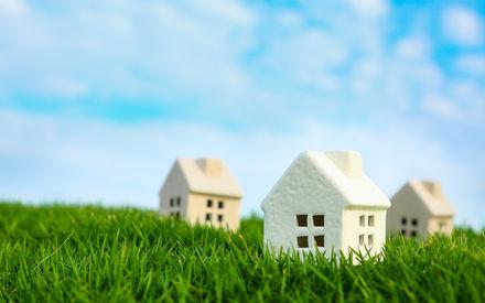 huisjes in het gras
