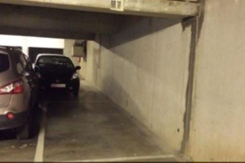 Inside parking for rent in Woluwe-Saint-Lambert