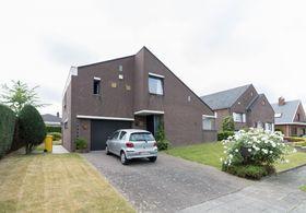 Villa for rent in Sint-Stevens-Woluwe